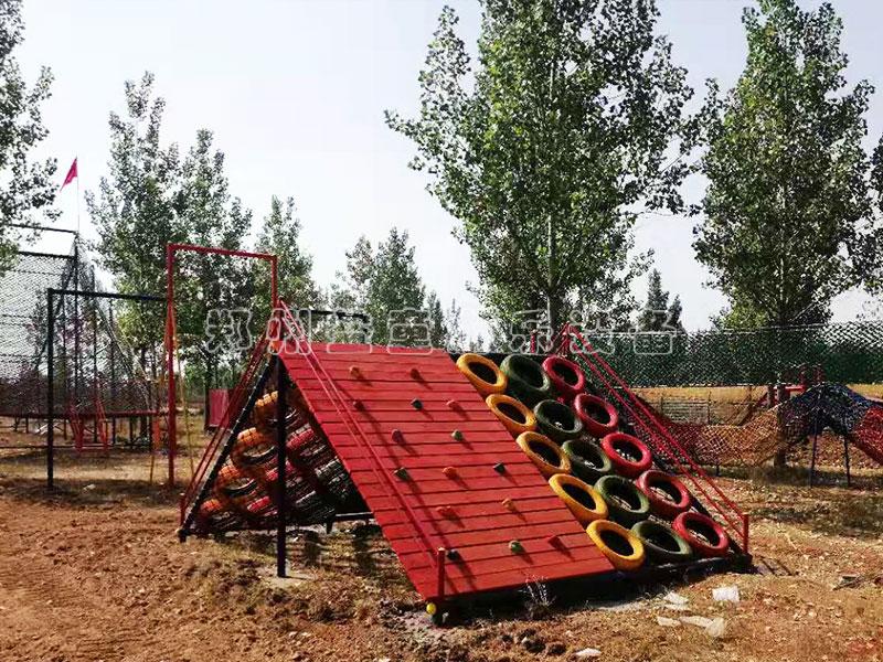 he膞ia鍄ang伊chuan儿tong户外体能拓zhan器材和钢架网红桥